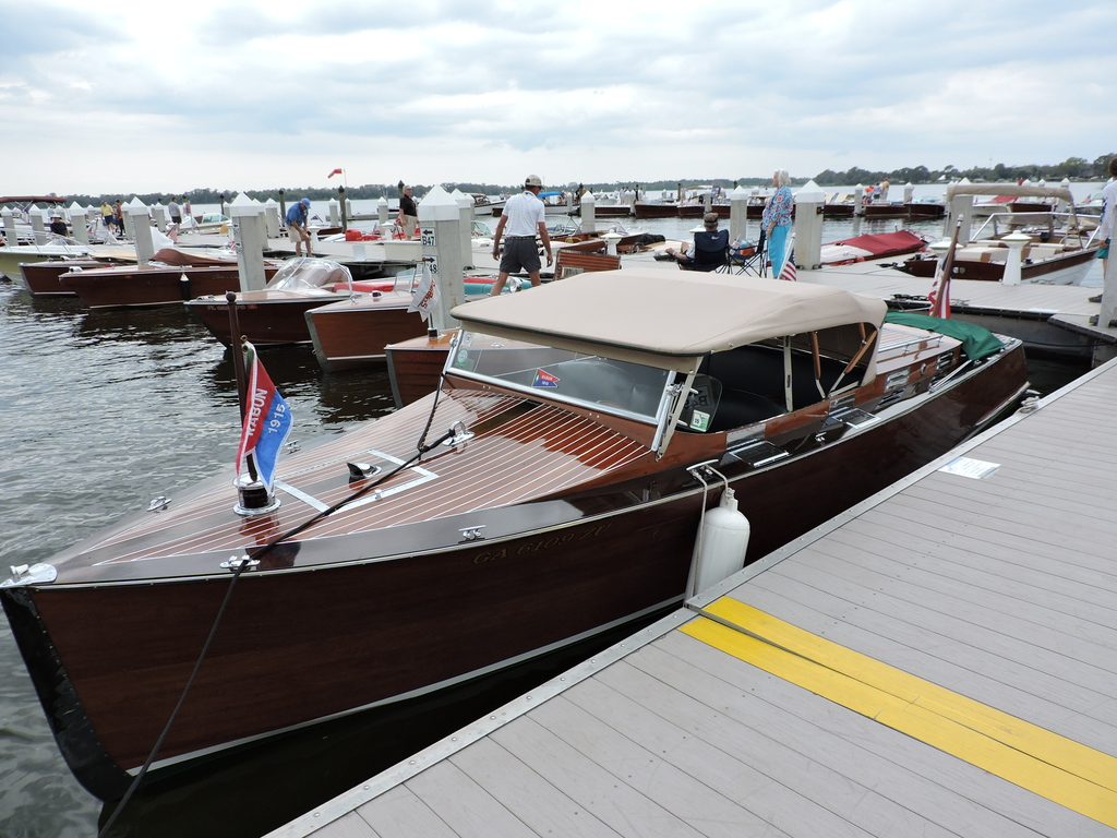 Old Chris Craft's at Antique Boat Show - Chris Craft