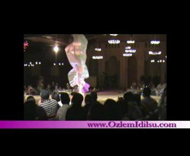 Özlem Idilsu - Oryantal/Oriental/Orientale/bellydance performance with wings - Istanbul/Turkey