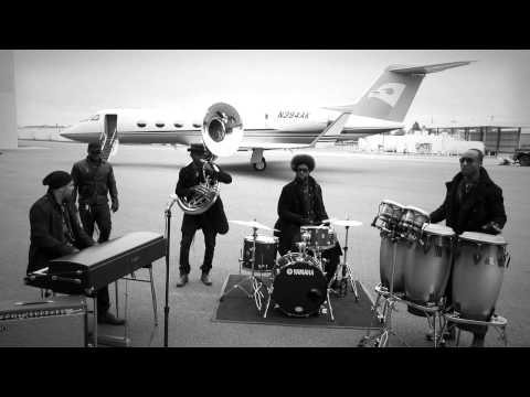 The Roots perform an exclusive track at Republic Airport (New York)