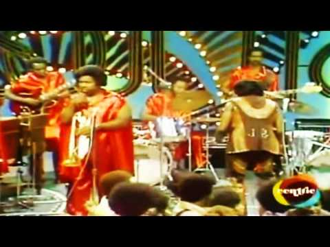JAMES BROWN, FRED WESLEY & THE JB's - All For One & Damn Right I Am Somebody (Soul Train)