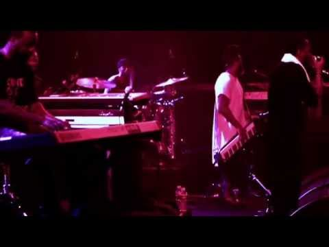 Yasiin Bey & Robert Glasper Perform De La Soul's Stakes Is High