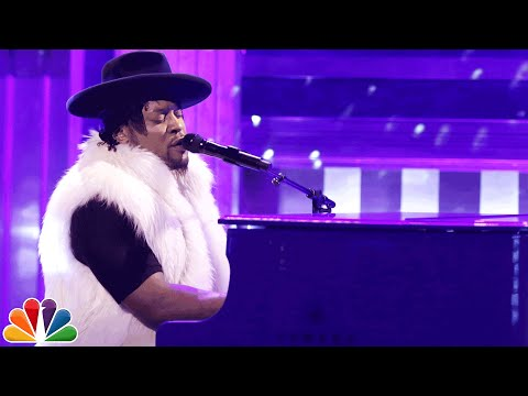 """D'Angelo Honors Prince, Performs """"Sometimes It Snows In April"""" On 'The Tonight Show'"""