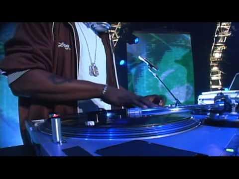 Watch DJ Jazzy Jeff and The Fresh Prince's Epic Performance
