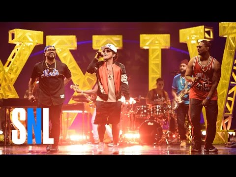 "Bruno Mars Debuts New Single ""24K Magic"" on SNL"