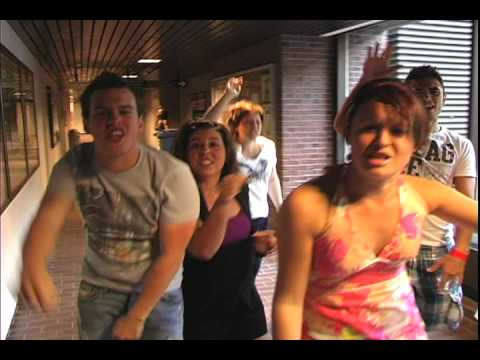 Fresh take on the campus tour video: LIPDUB - Comm-UQAM 2009
