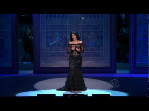 ANGELA GHEORGHIU AT THE KENNEDY CENTER HONORS-2009.flv