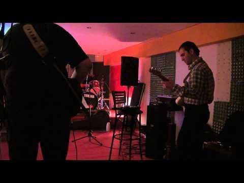 "Key to the Highway - Crazy Bull Band & John ""GreekFlatPicker"" Gougourelas"