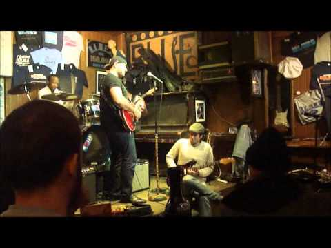 Spyridon & Theodore - When my heart beats like a hammer, live at ''B.L.U.E.S'', Chicago Illinois