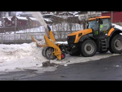 JCB 8250 Serie 2 with Snowblower Dalen 2014