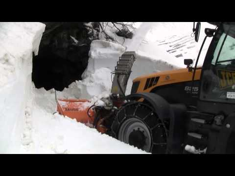 JCB fastrack 8250 S2 with Zaugg snowblower