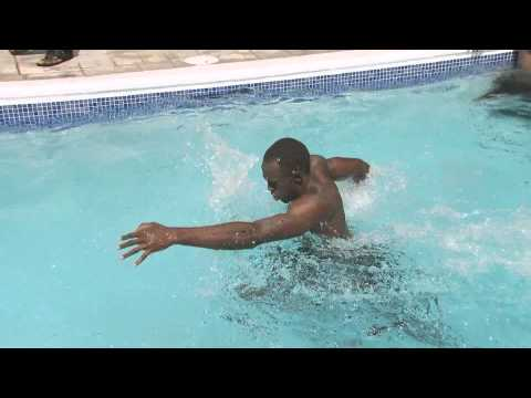 Usain Bolt Pool Training