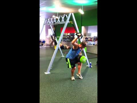 Batley Bulldogs Scrum Half, Ben Black on trx and reactive speed