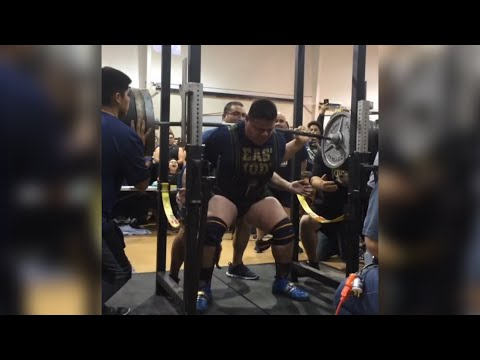 17 Year Old Jose Pena Squats 875 pounds