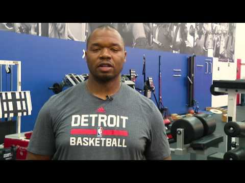 Detroit Pistons | How to Stretch Your Hip Flexors