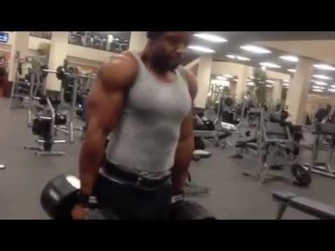 Personal Trainer Toronto Michael Kelly Training Delts-www.Truelifefitness.ca