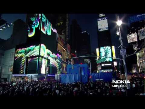 Nokia Lumia 900 Live in Times Square - Nicki Minaj: Starships (Remix)