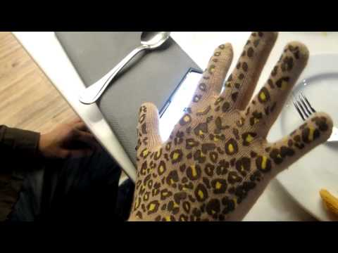 Nokia Lumia 920 - Screen Works with a fork and wear gloves