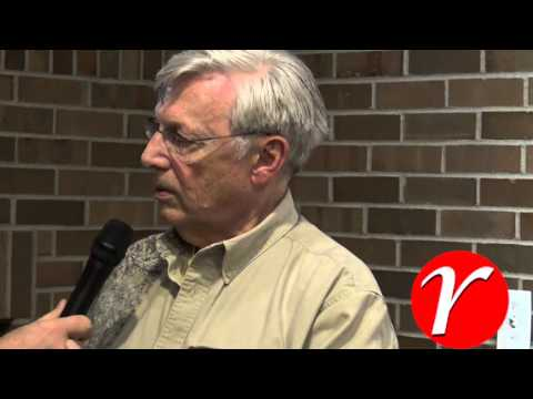 Bill Hartmann with Gene Clem discussing R Votes