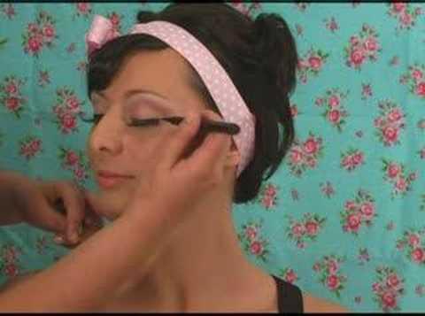 Vintage Pinup Girl Make-up