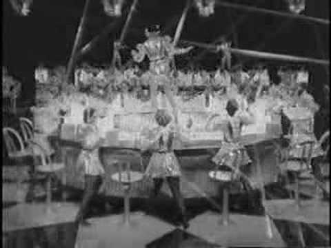 Retrofuturistic telephone operators sing Hollywood Party (1934)