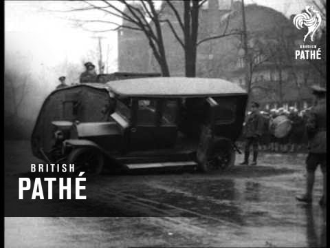 Tank Crushes Car (1920-1929)
