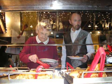 TUCKER'S MARKETPLACE RESTURANT : Leras day out Dec 7th 2008.wmv