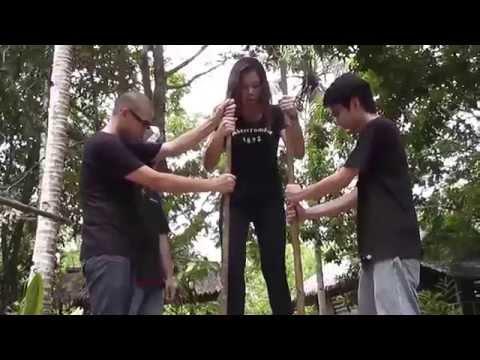 Challenging Borneon Head Hunter's Place 挑戰婆羅洲獵頭族村落