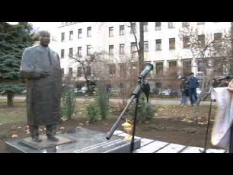 Паметник на Атанас Буров  3 част