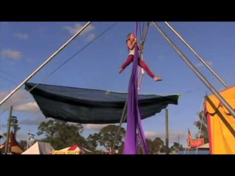 Aerial Silk Performance by Aerialist Zizka