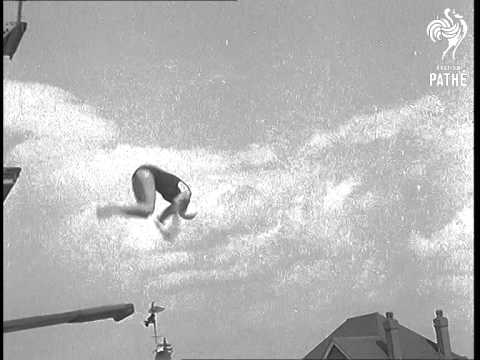 Durnsford Road Baths Diving Display (1939)