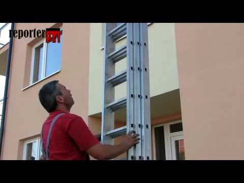 Telefónny kabel v Seredi (obostavaný v bytovke)
