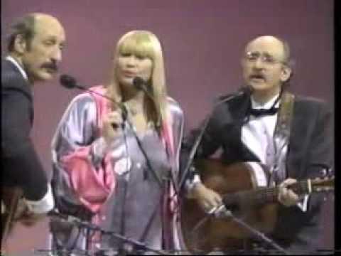 Peter, Paul & Mary- Puff The Magic Dragon with lyrics (R.I.P Mary)