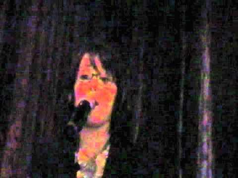 zoe alexa singing someone like you by adele at hamburger marys