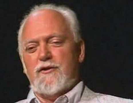 Robert Anton Wilson explains Quantum Physics