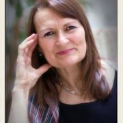 Carole  Railton