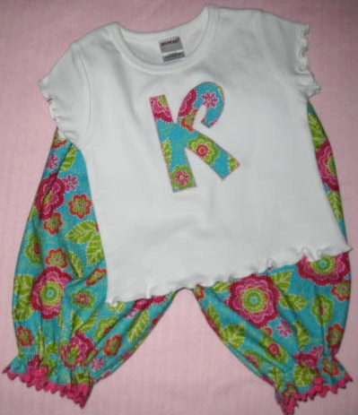 Appliqued shirt and bloomer set