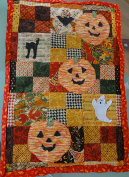 Trick & treat Halloween Wall Hanging