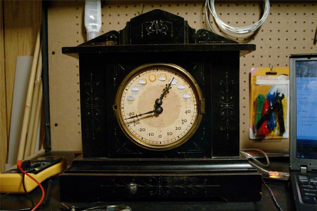 Sean Carney's DIY Weather Clock