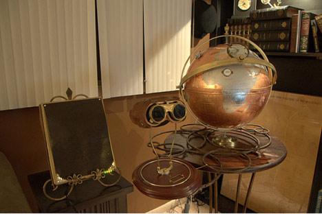 Steampunk Globe with iPad