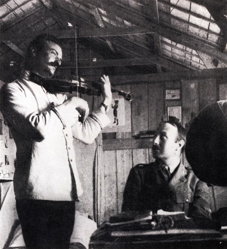 WWI violin player