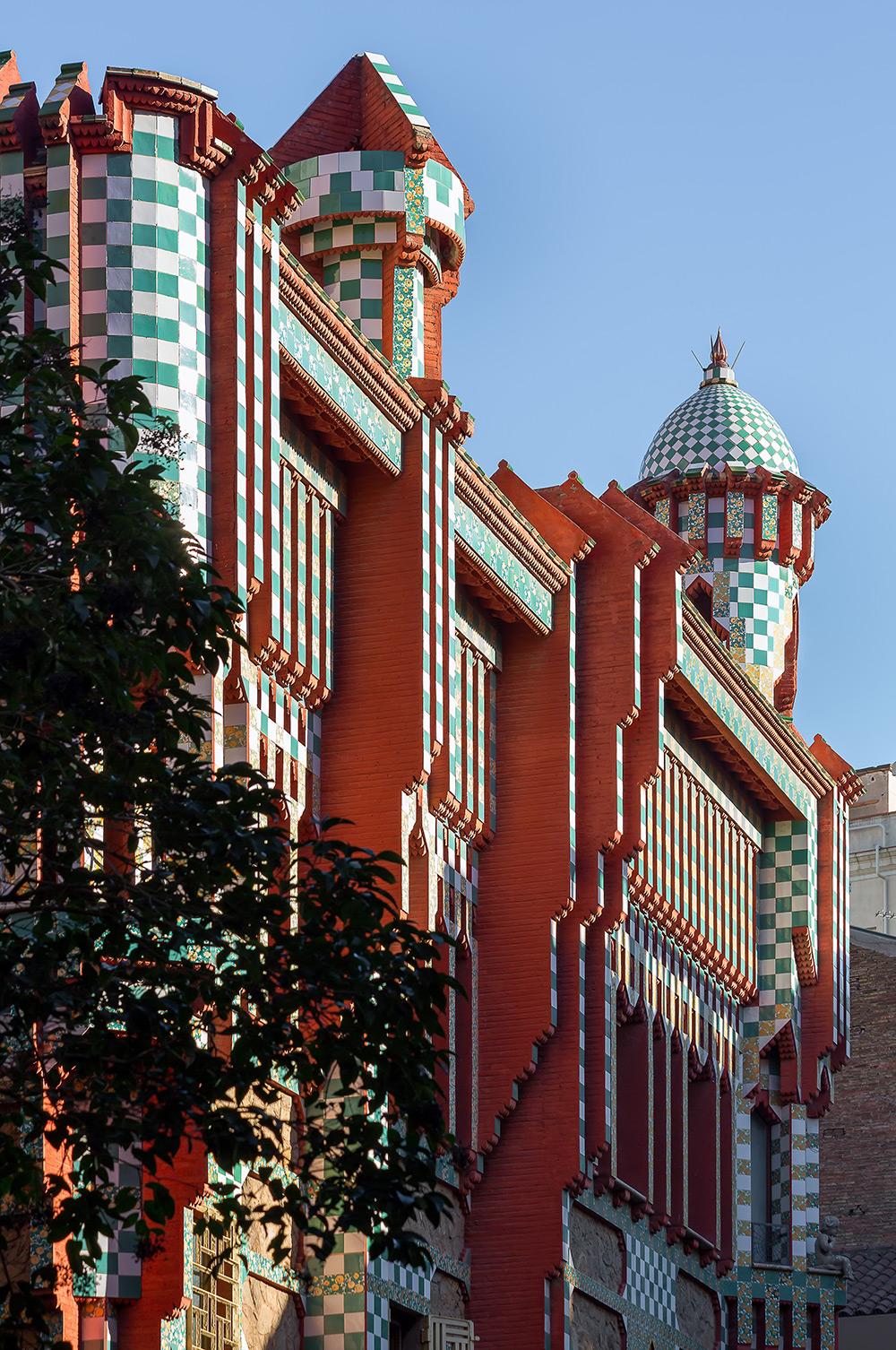 Antoni Gaudi, Antoni Gaudí, architecture, casa vicens, qwelly, qwellyblog, blog, qwellypost, photos, interesting, art, ხელოვნება, არქიტექტურა, ანტონიო გაუდი, ანტონი გაუდი, გაუდის არქიტექტურა, ქველი, ბლოგი, კასა ვისენსი