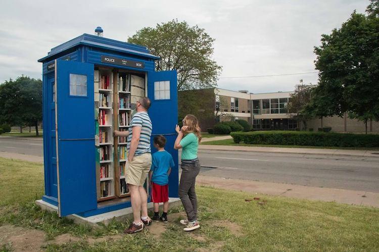 library, qwelly, post, blog, დოქტორი ჰუ, ჯიხური, ქველი, ბლოგი, ბიბლიოთეკა, ლაიბრარი, დოქტორი ვინ