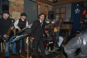 Nick tsiamtsikas & Blues report live at Roosters