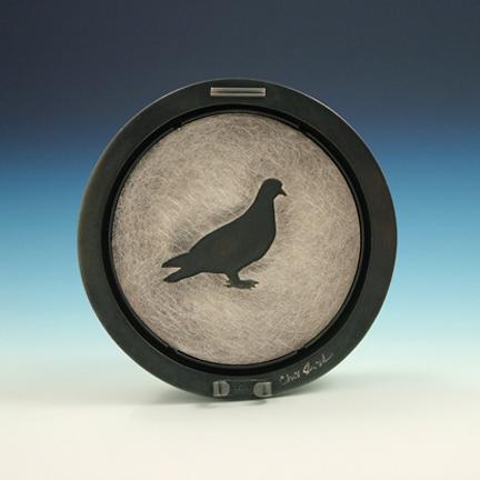 Pigeon Lenticular - back