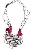 Rosa Fuchsia necklace