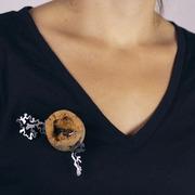 cork.brooch