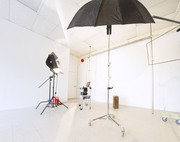 Discount Coupons for Photographers, Artists, and DIY Local Business Owners: Affordable Photo Studio Rental!