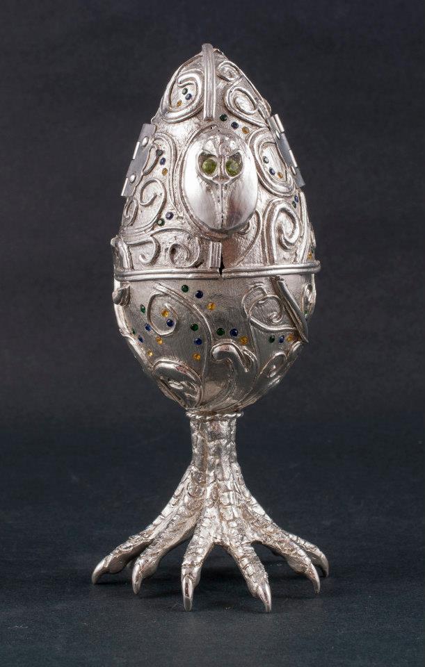 Egg reliquary
