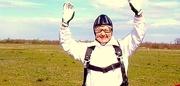 Балева - в парашутен костюм   2