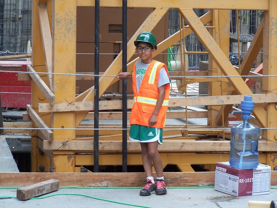 checking the tower crane frame - Matavuvale Network